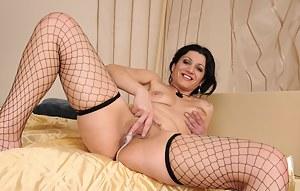 Free Cum in MILF Pussy Porn Pictures