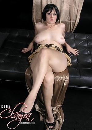 Free MILF Legs Porn Pictures